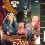 映画「SING・シング」は吹き替えより字幕で観た方が良い理由とは?